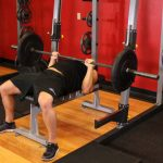 Bench press with a narrow grip – description in detail
